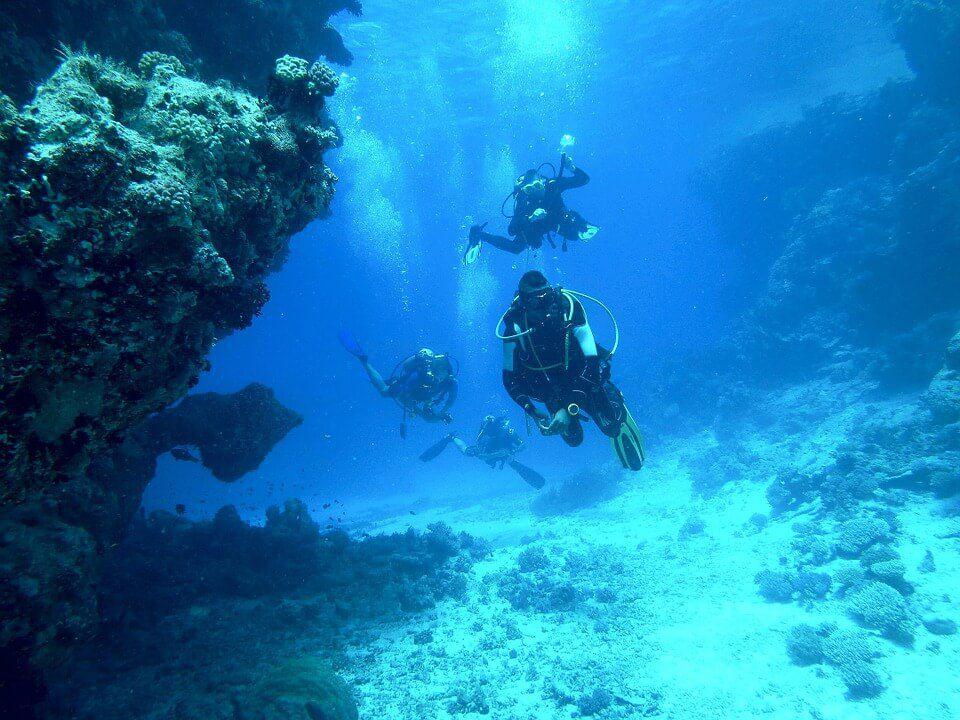 diving-813028_960_720