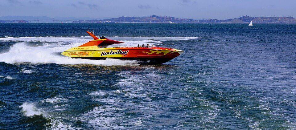 speedboat-823229_960_720